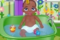 Baby Jamal badet